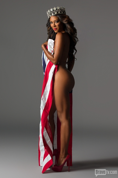 Sexy nude lesbian models