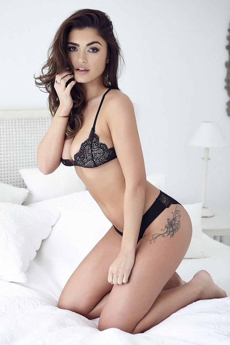 Page 3 star India Reynolds flaunts her curves in stunning lingerie