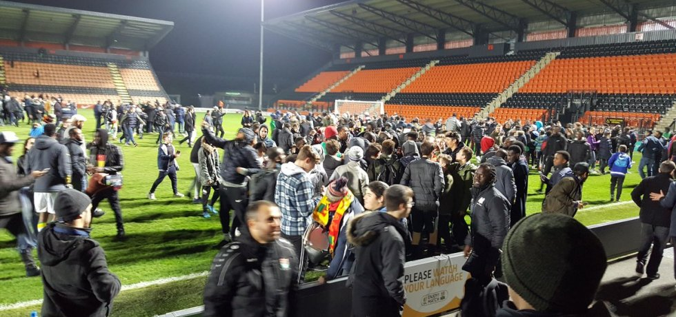 Scenes on the pitch at Barnet at the end of Senegal's 1-1 draw with Nigeria. Both Idrissa Gueye and Sadio Mane played.