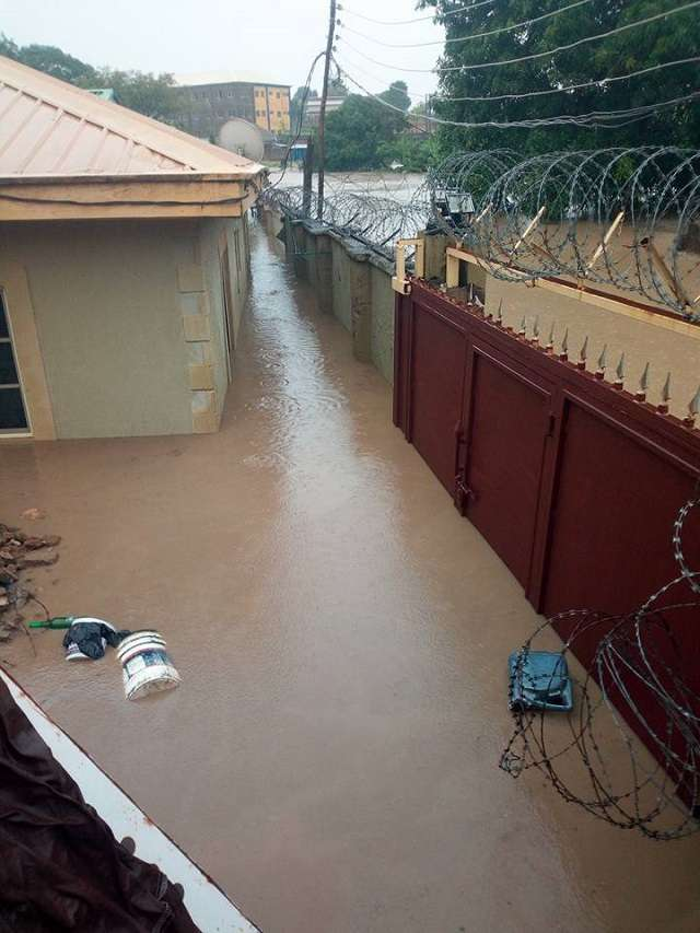Flood chases dead bodies away from mortuary