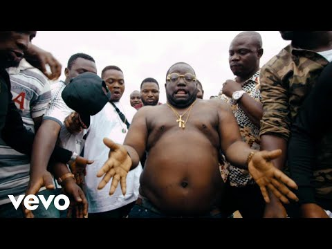 WATCH: How Olamide answered with WO! when called by the street