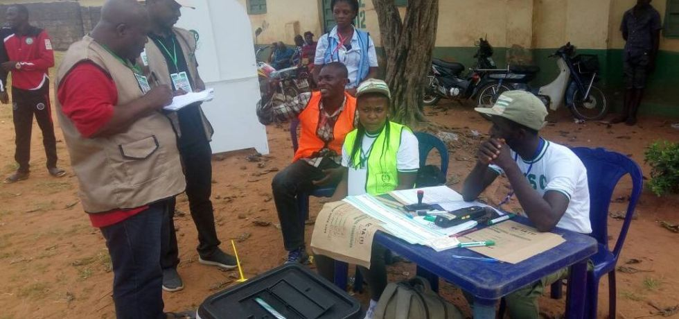 Breaking: Unofficial results shows APGA candidate Willie Obiano leading the polls as PDP's Obaze follows closely