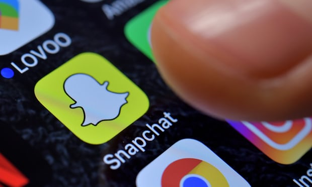 More than 800,000 angry users sign petition to change Snapchat redesign