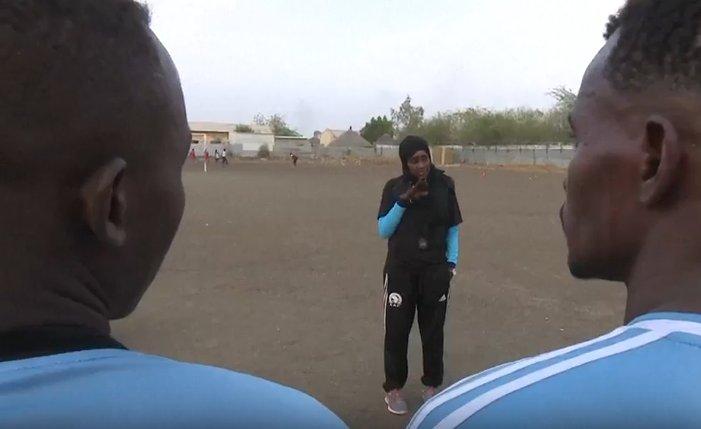 Salma al-Majidi at work.