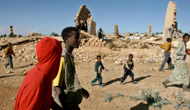 ethiopia-eritrea-conflict-refugees-escape-border-war-in-horn-of-africa-670x388