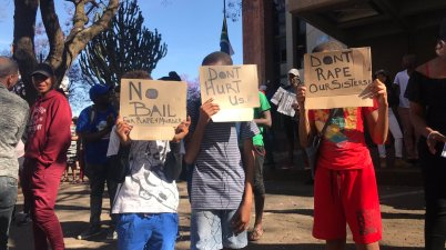 Kids are also forming part of the #drosrapist protest outside Pretoria Magistrate's Court. Photo: Twitter/@AlexMitchley