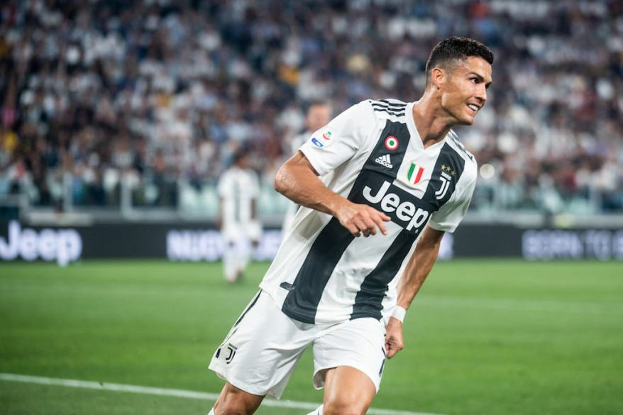 Italy: Serie A: Juventus vs Napoli
