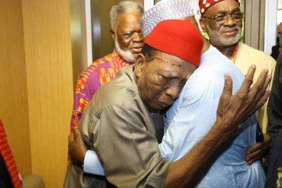 Atiku hugs Professor Ben Nwabueze in Enugu