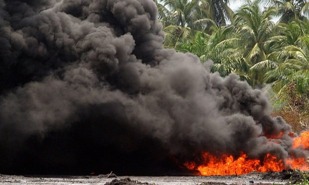 Hundreds have died while trying to recover fuel from leaking tankers and pipelines in Nigeria in recent years. Photo: Onome Oghene/EPA