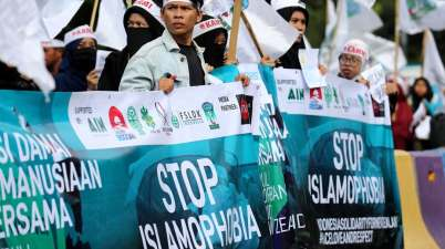 Indonesian students pay tribute to the victims of the Christchurch mosque shootings.