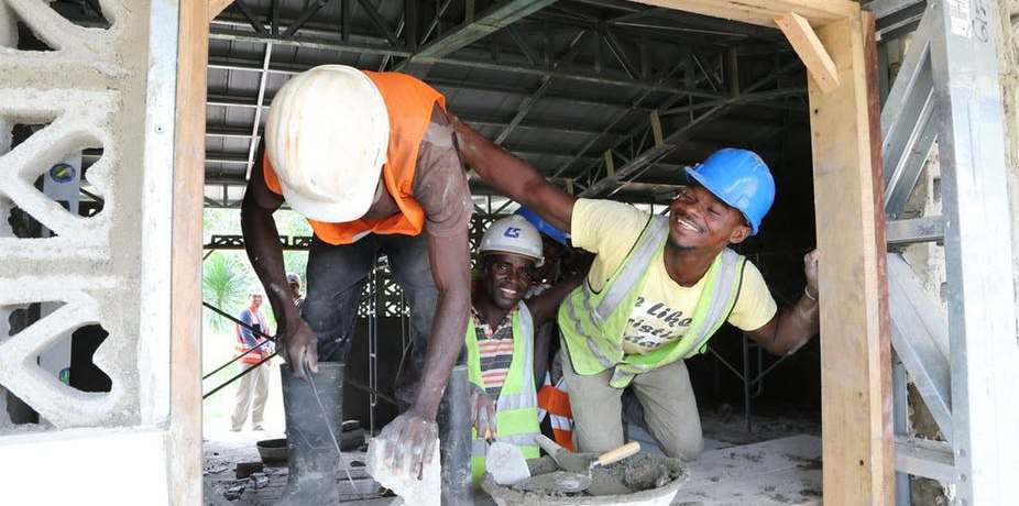 The Ghanaian construction industry employs over 320,000 people and more than 2% of young people. Wikimedia Commons